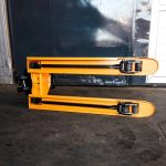 pallet-truck-cyprus-with-pallet